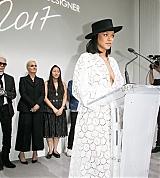 Rihanna_Louis_Vuitton_Paris_June_16_2017_0038.jpg