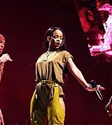 Rihanna_2016_Made_In_America_Festival_Budweiser_004.jpg