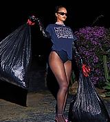 Rihanna_Bazaar_2020_007.jpg