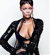 Rihanna_ELLE_US_2017_007.png