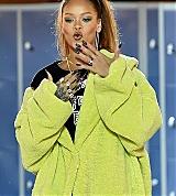 Rihanna_Fenty_Puma_AW17_PFW_2017_0027.jpg