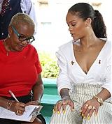 Rihanna_HIV_Awareness_Prince_Harry_Dec_1_2016_001.jpeg