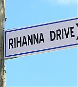 RihannaDrive002.jpg