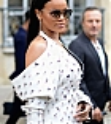 Rihanna_Dior_SS17_029.jpg